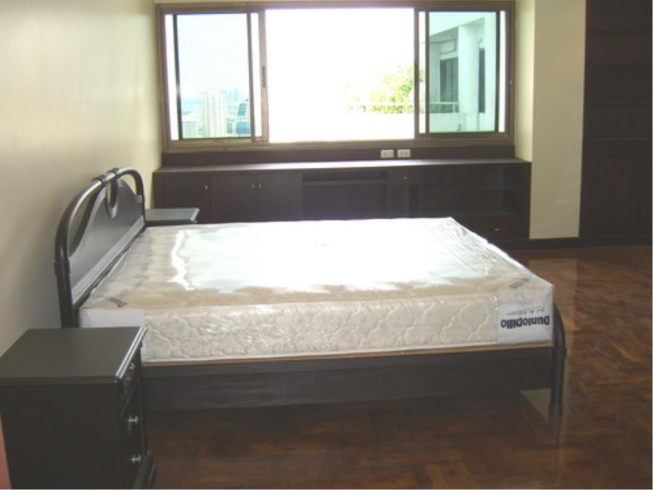 Piri Property Agency's 4 bedrooms  For Rent Tower Park Condo 3