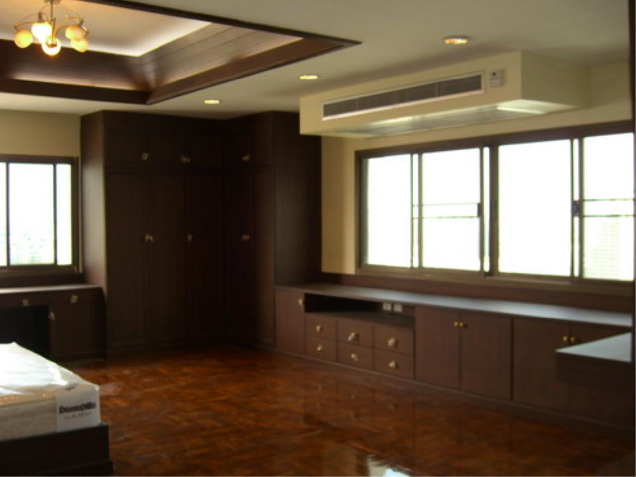 Piri Property Agency's 4 bedrooms  For Rent Tower Park Condo 4