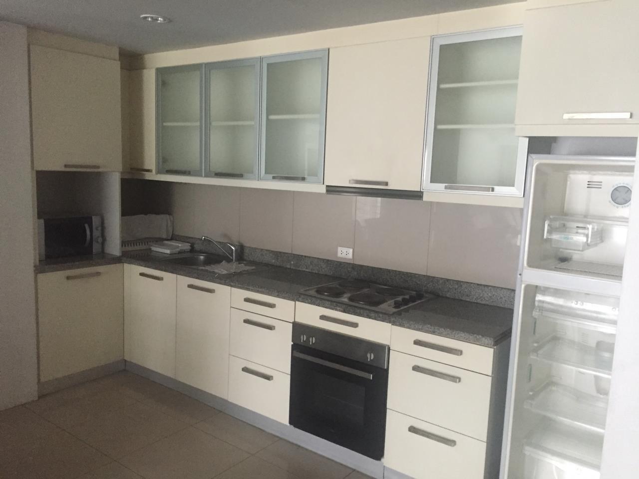 Piri Property Agency's 2 bedrooms  For Rent Urbana Sukhumvit 15 3
