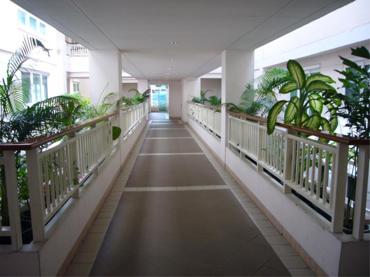 Piri Property Agency's 2 bedrooms  For Rent Baan Siri Soi 13 6