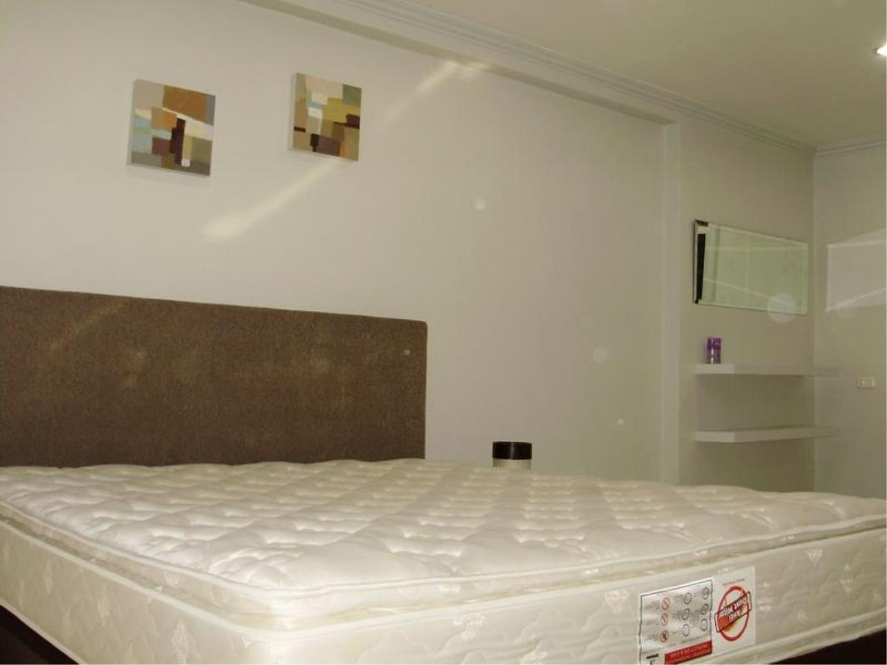 Piri Property Agency's one bedroom  For Rent Saranjai Mansion 3