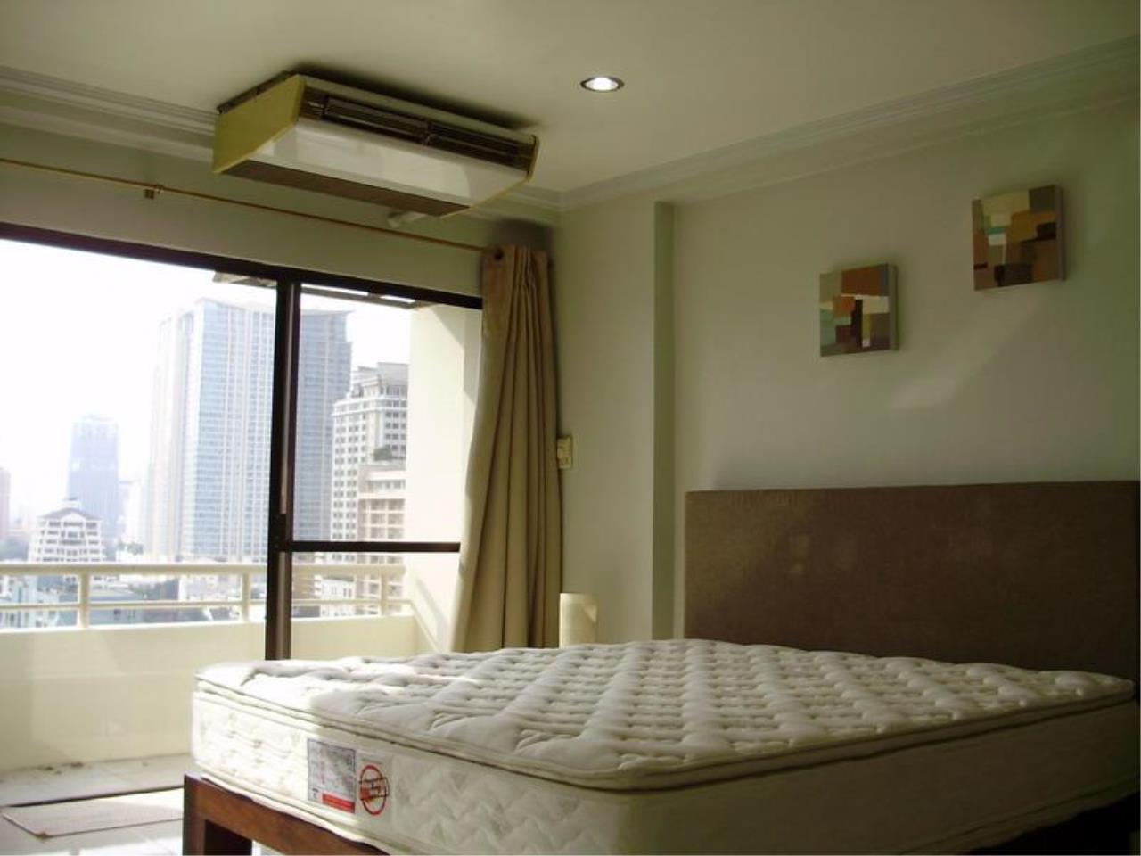 Piri Property Agency's one bedroom  For Rent Saranjai Mansion 2