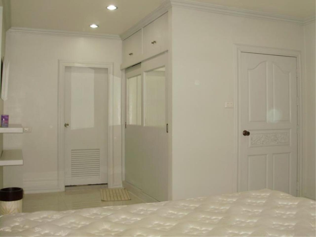 Piri Property Agency's one bedroom  For Rent Saranjai Mansion 1