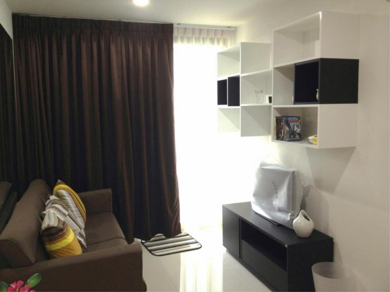 Piri Property Agency's one bedroom  For Rent The President Onnut 7