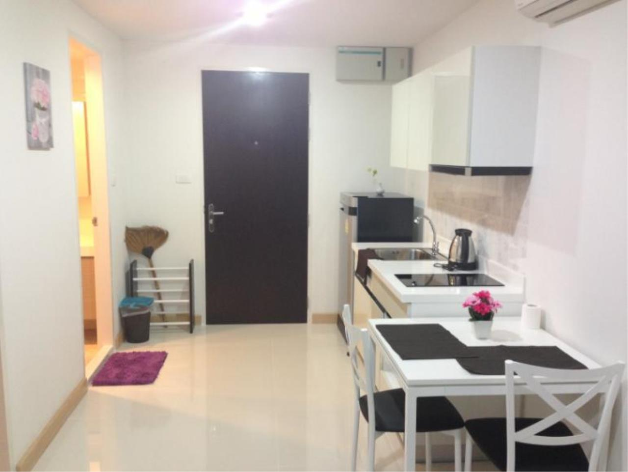 Piri Property Agency's one bedroom  For Rent The President Onnut 1