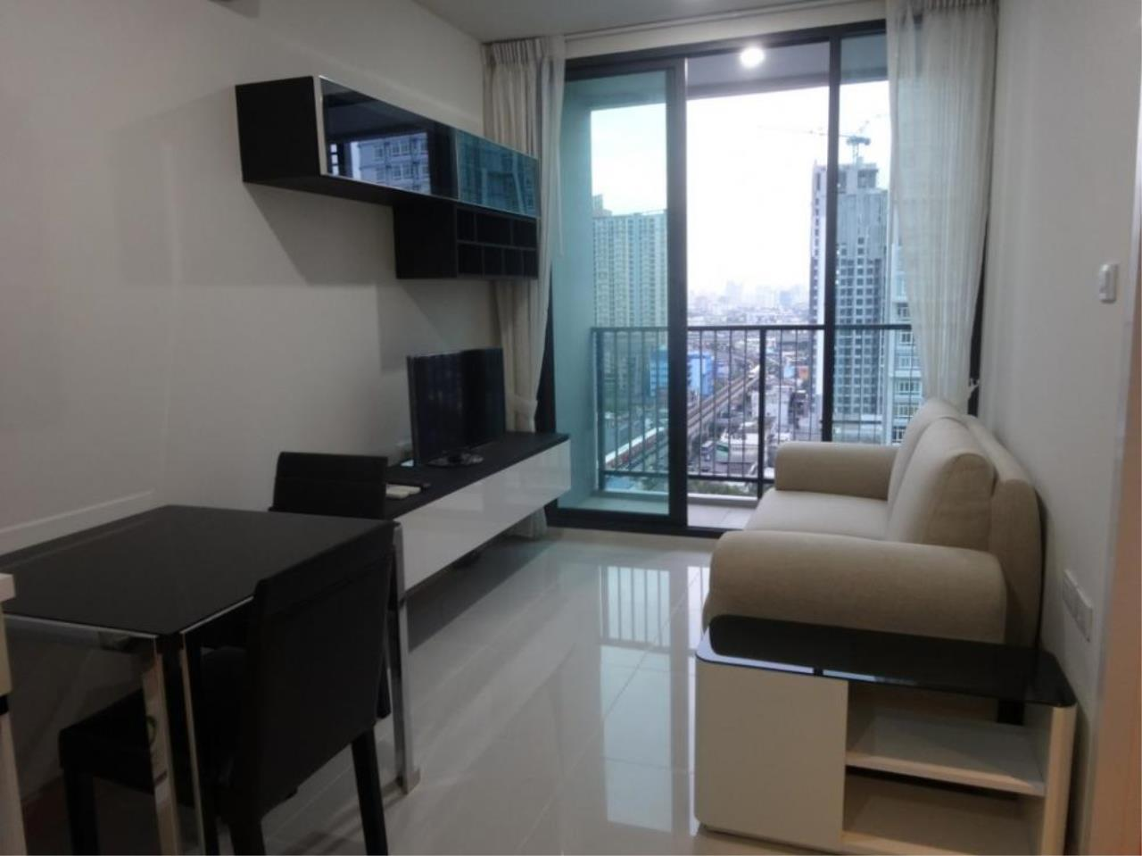 Piri Property Agency's one bedroom  For Rent The President Onnut 6