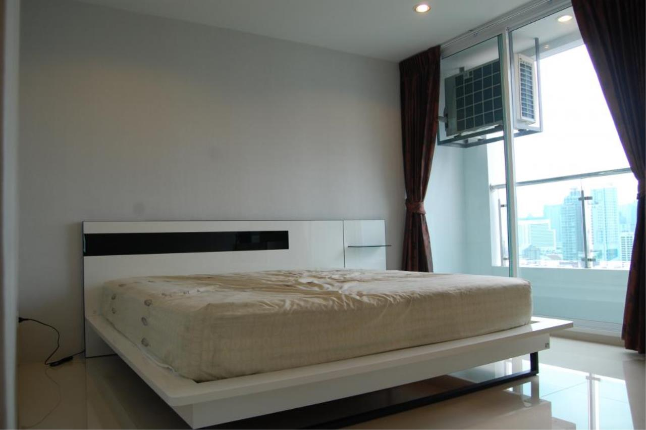 Piri Property Agency's 2 bedrooms  For Rent Sukhumvit Living Town 2