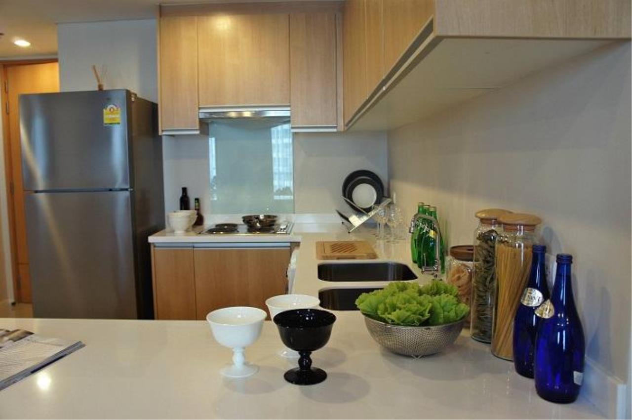Piri Property Agency's 2 bedrooms  For Rent Villa Asoke 11