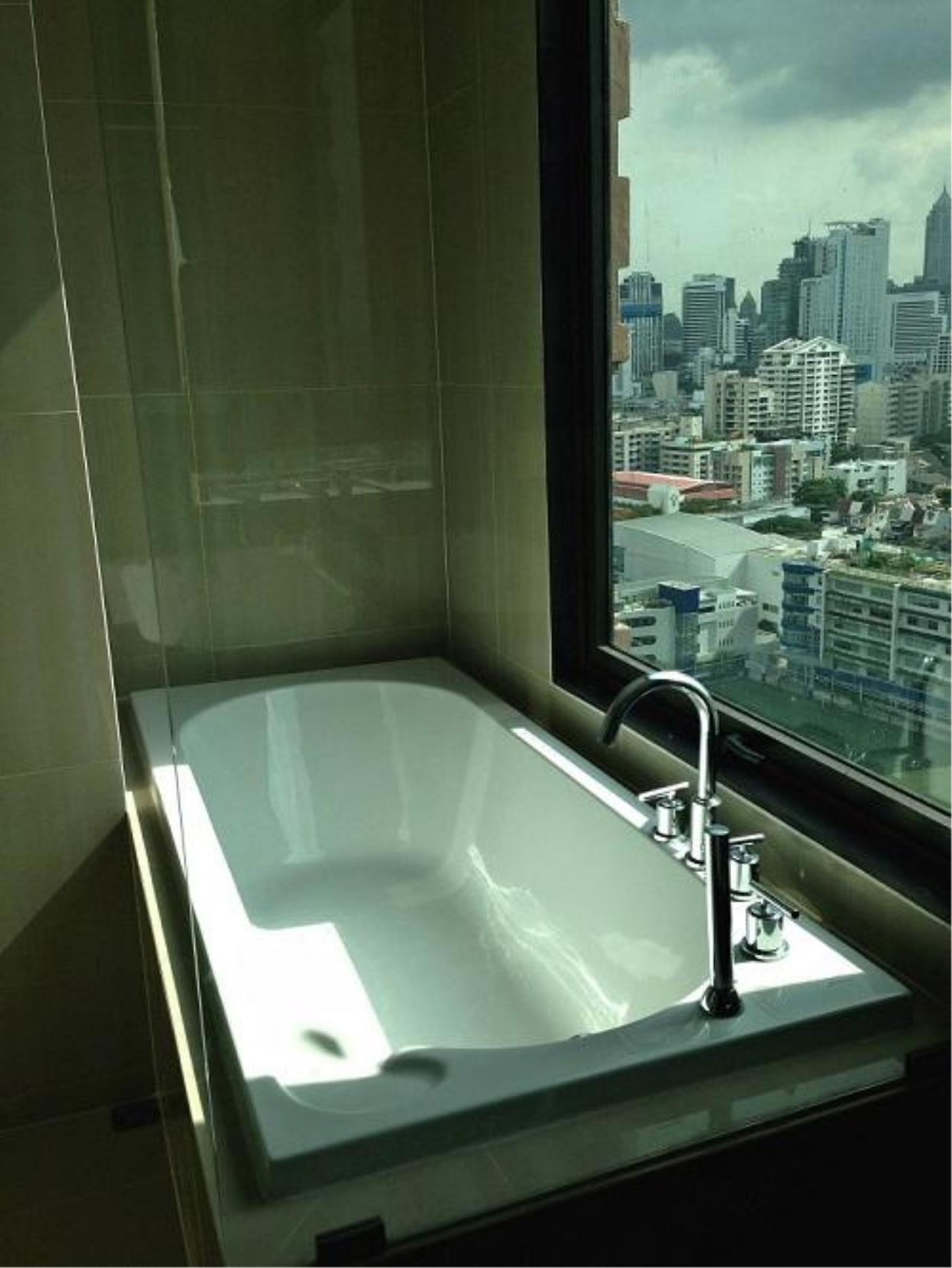 Piri Property Agency's 2 bedrooms  For Rent Villa Asoke 5