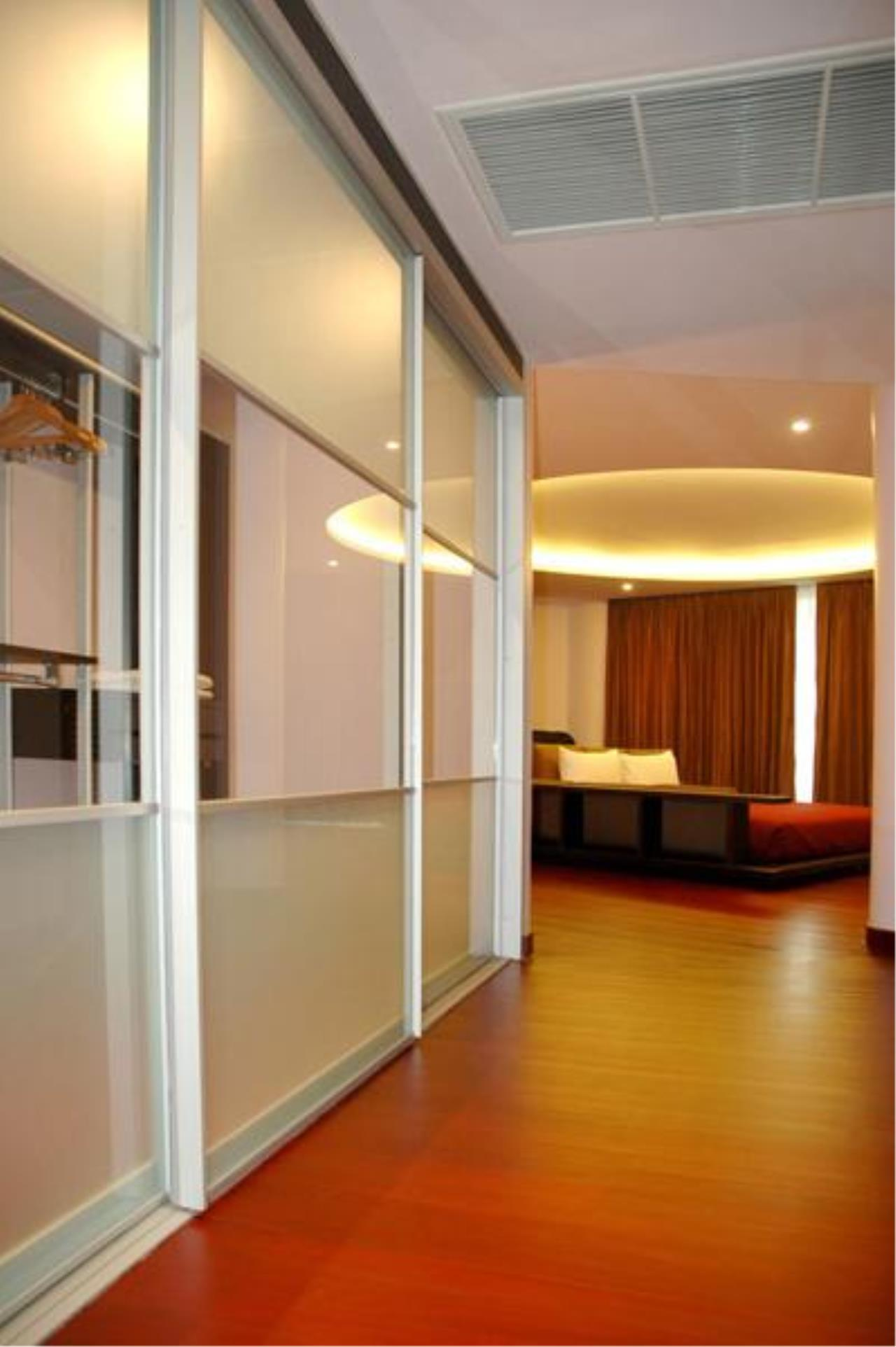 Piri Property Agency's 3 bedrooms  For Rent Seven Place Executive Residences 4