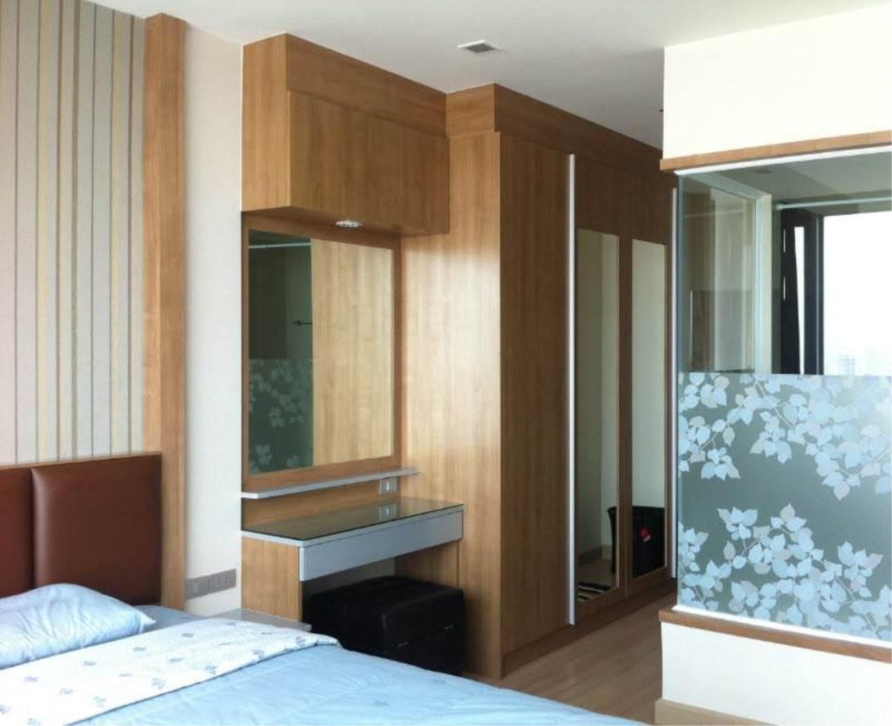 Piri Property Agency's one bedroom  For Rent Skywalk Condominium 4
