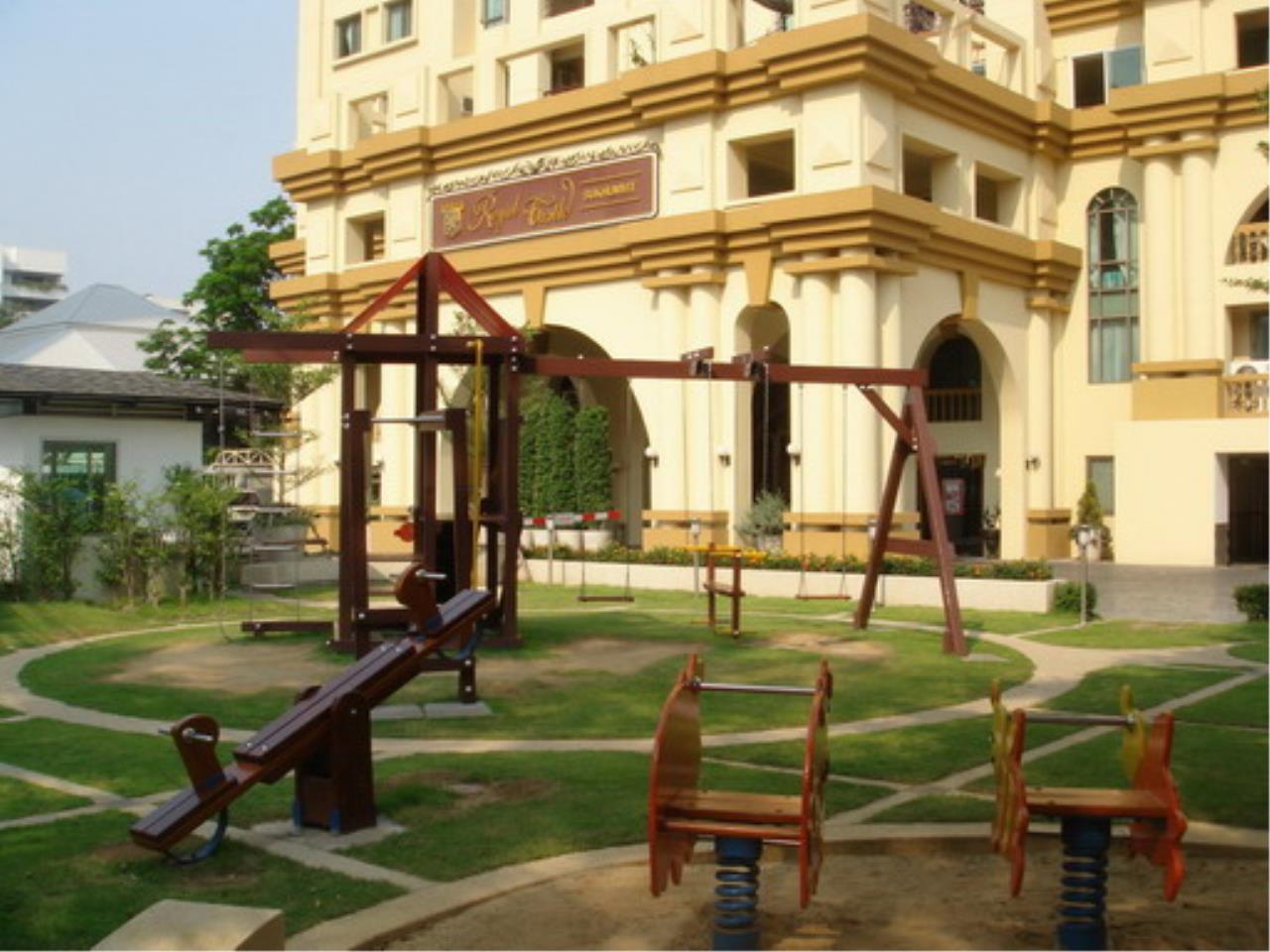 Piri Property Agency's 3 bedrooms  For Rent Royal Castle Sukhumvit 39 1