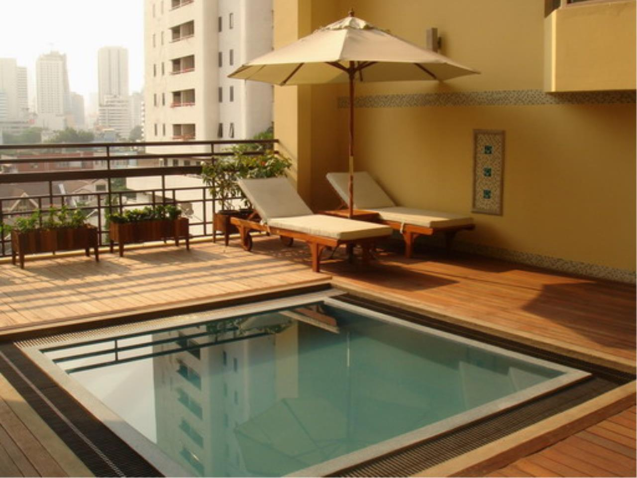 Piri Property Agency's 3 bedrooms  For Rent Royal Castle Sukhumvit 39 4