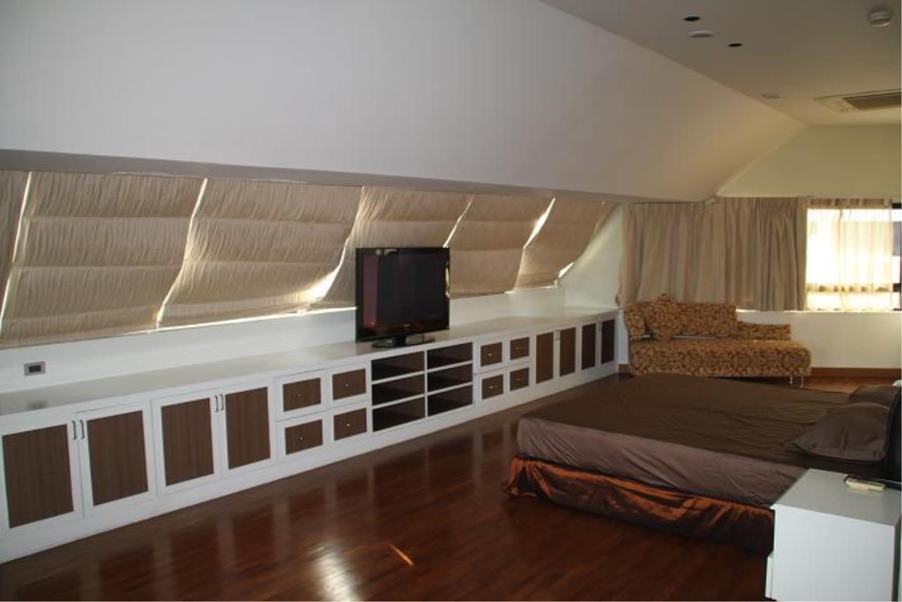 Piri Property Agency's 5+ bedrooms  For Rent President Park Condominium 13