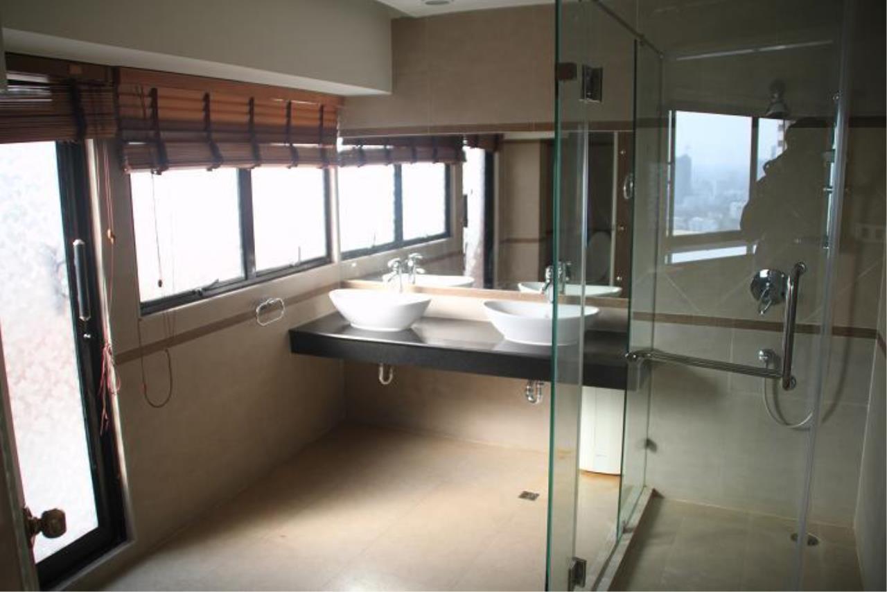 Piri Property Agency's 5+ bedrooms  For Rent President Park Condominium 15