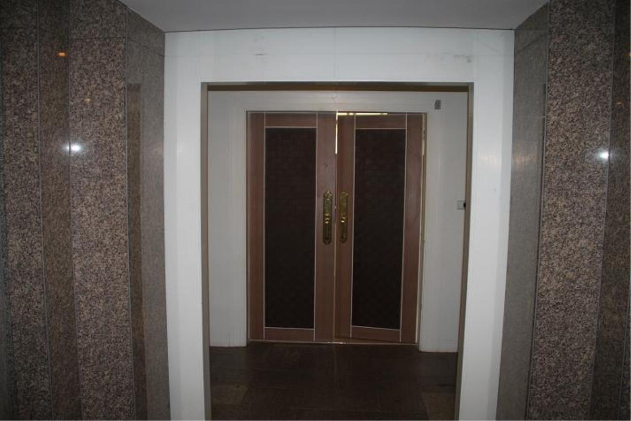 Piri Property Agency's 5+ bedrooms  For Rent President Park Condominium 3
