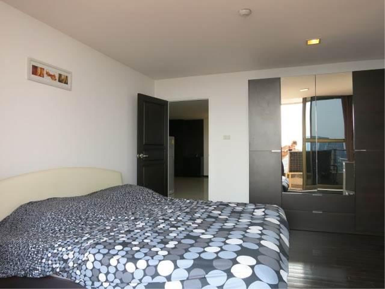 Piri Property Agency's 2 bedrooms  For Rent Supalai Place Sukhumvit 39 3