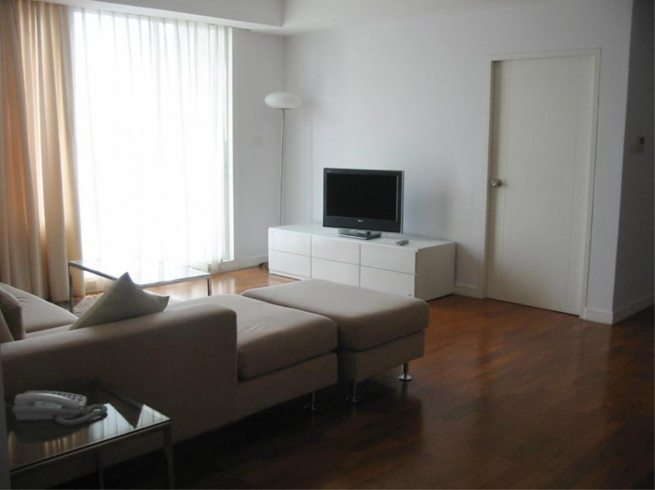 Piri Property Agency's 2 bedrooms  For Rent Baan Siri Soi 24 4