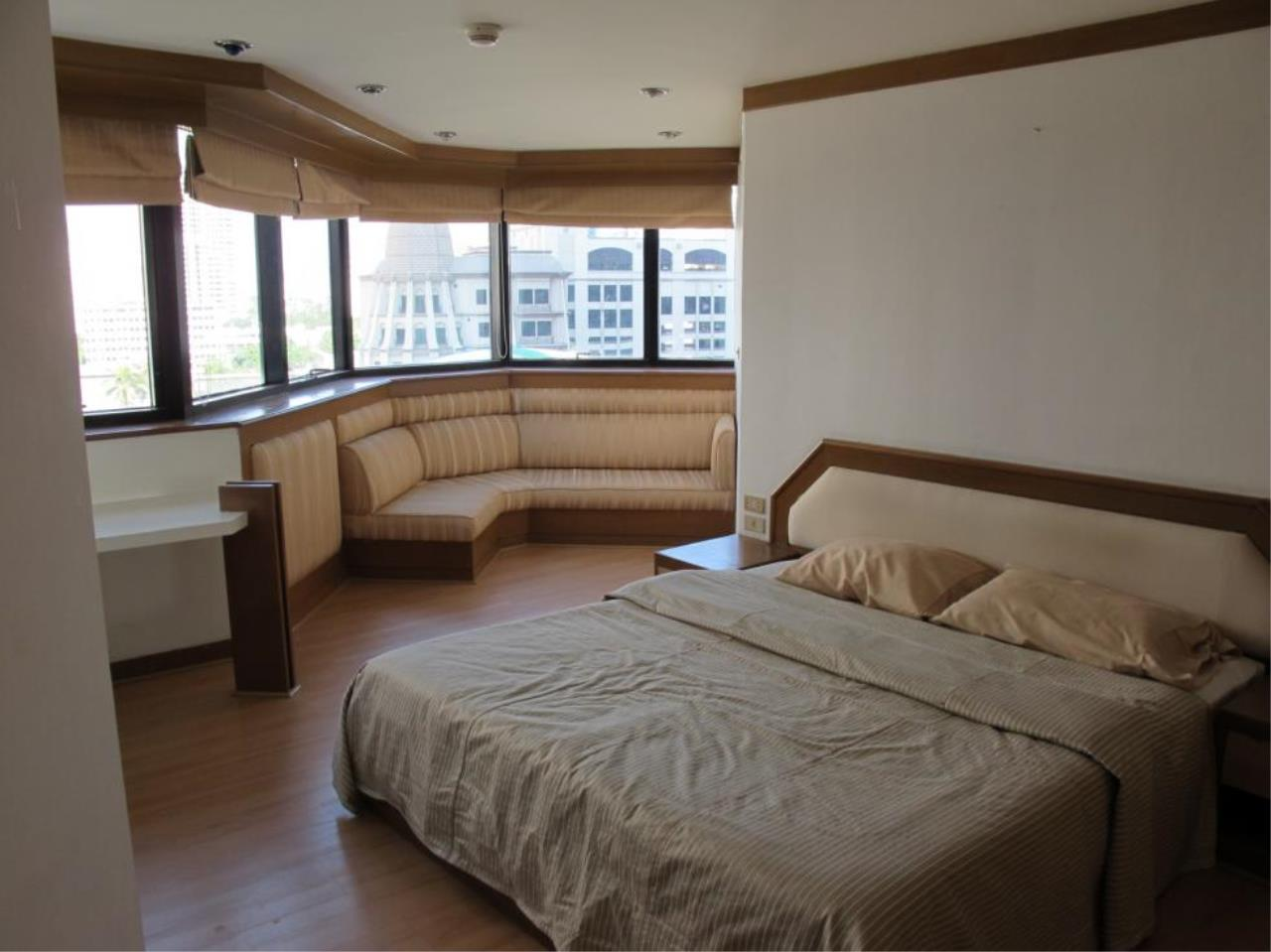 Piri Property Agency's 3 bedrooms  For Rent President Park Condominium 11
