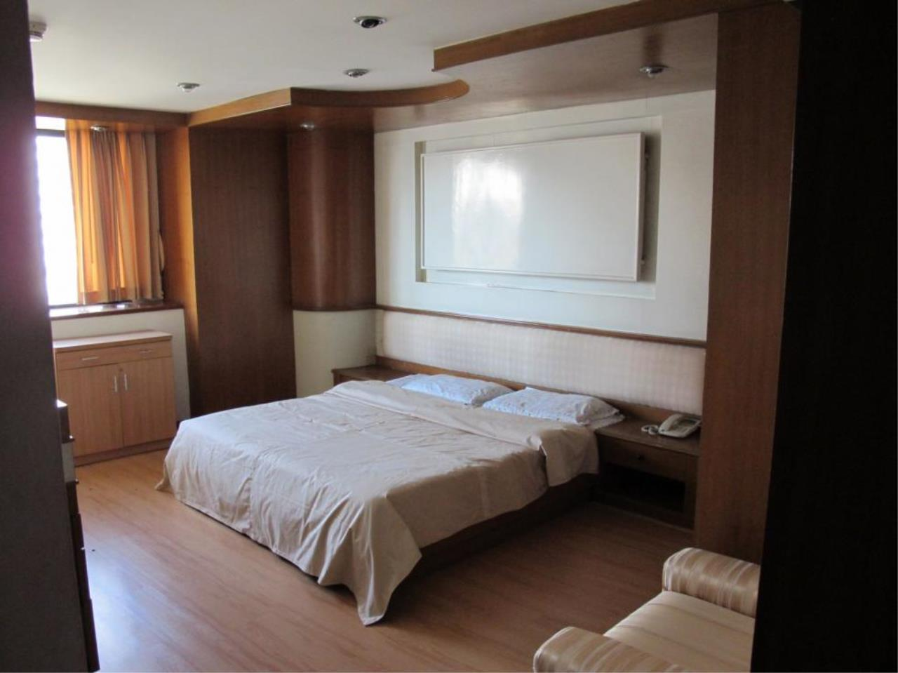 Piri Property Agency's 3 bedrooms  For Rent President Park Condominium 13