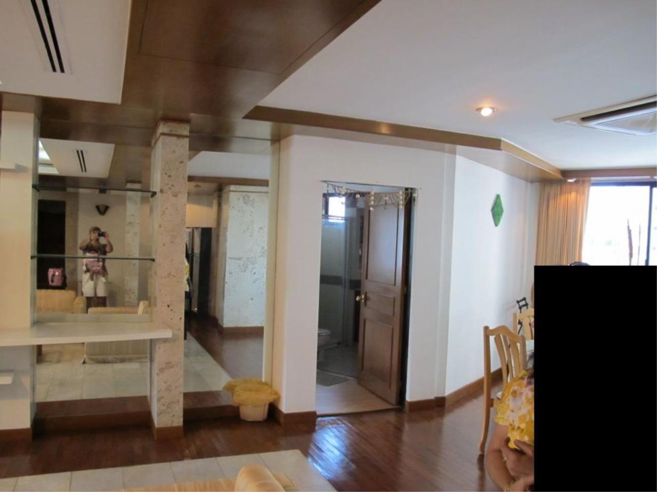 Piri Property Agency's 3 bedrooms  For Rent President Park Condominium 4