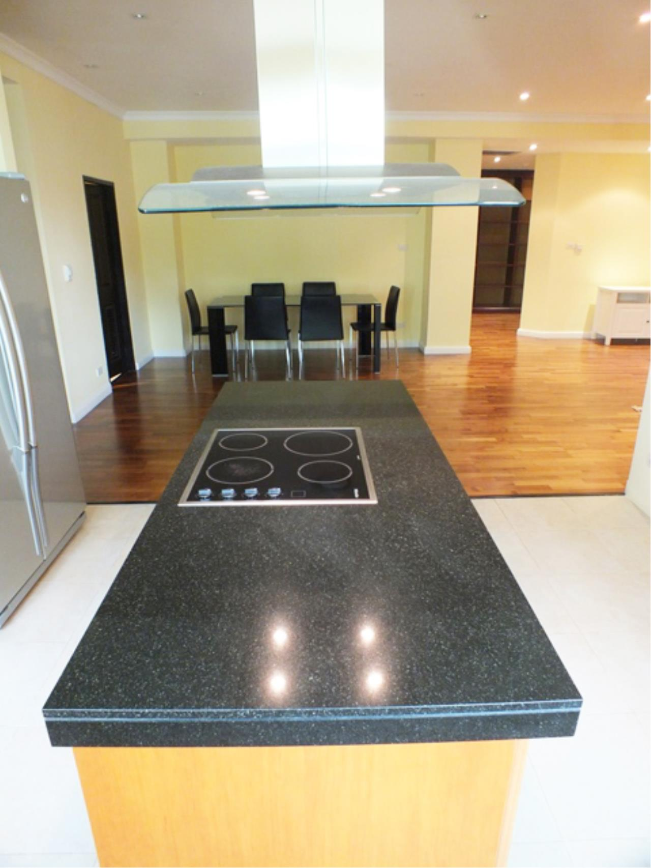 Piri Property Agency's 3 bedrooms  For Rent Cadogan Private Residence 2