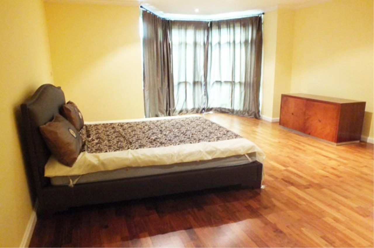 Piri Property Agency's 3 bedrooms  For Rent Cadogan Private Residence 4