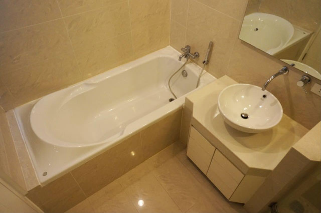 Piri Property Agency's one bedroom  For Rent Baan Siri Soi 24 4