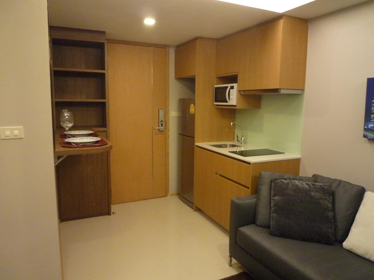 Piri Property Agency's one bedroom  For Rent Socio Ruamrudee 2