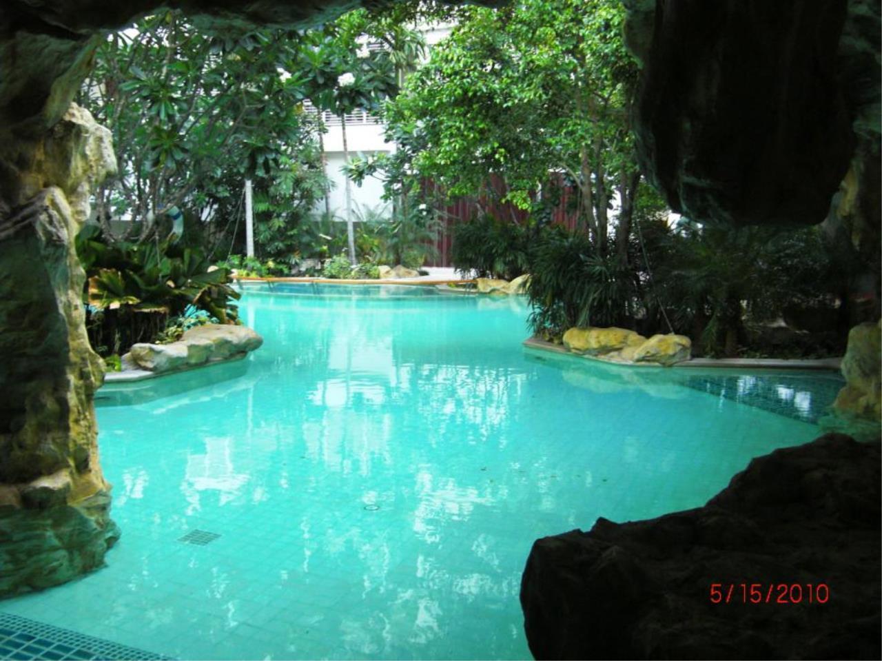 Piri Property Agency's 2 bedrooms  For Sale Baan Ratchaprasong 12