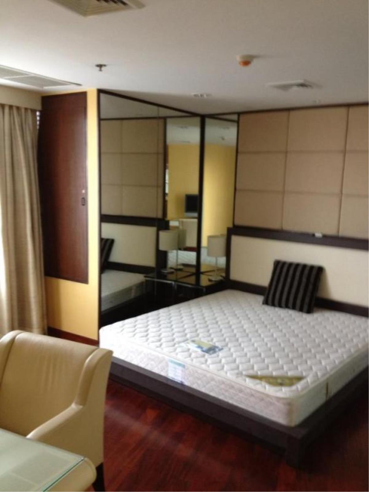 Piri Property Agency's 2 bedrooms  For Sale Urbana Langsuan 2
