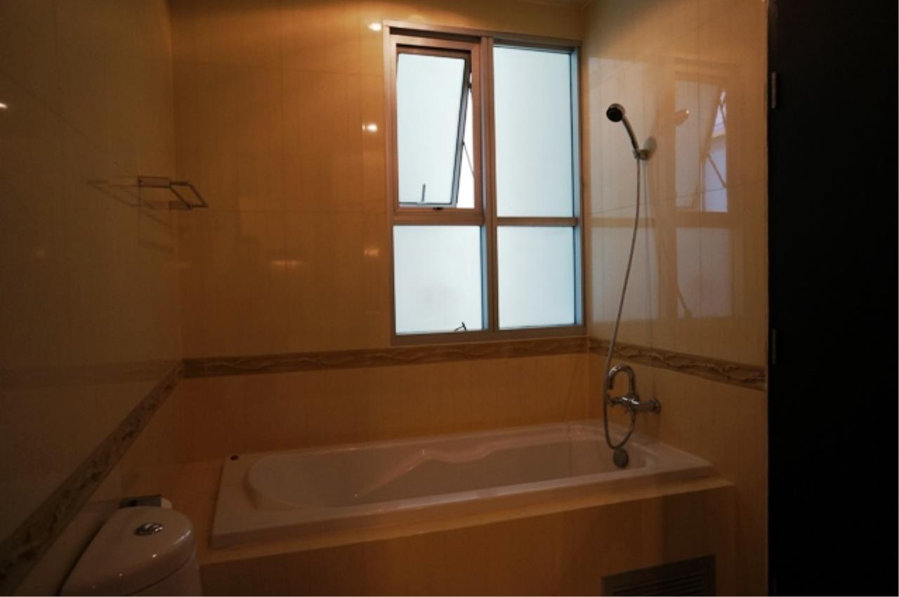 Piri Property Agency's 2 bedrooms  For Rent The Address Siam 6