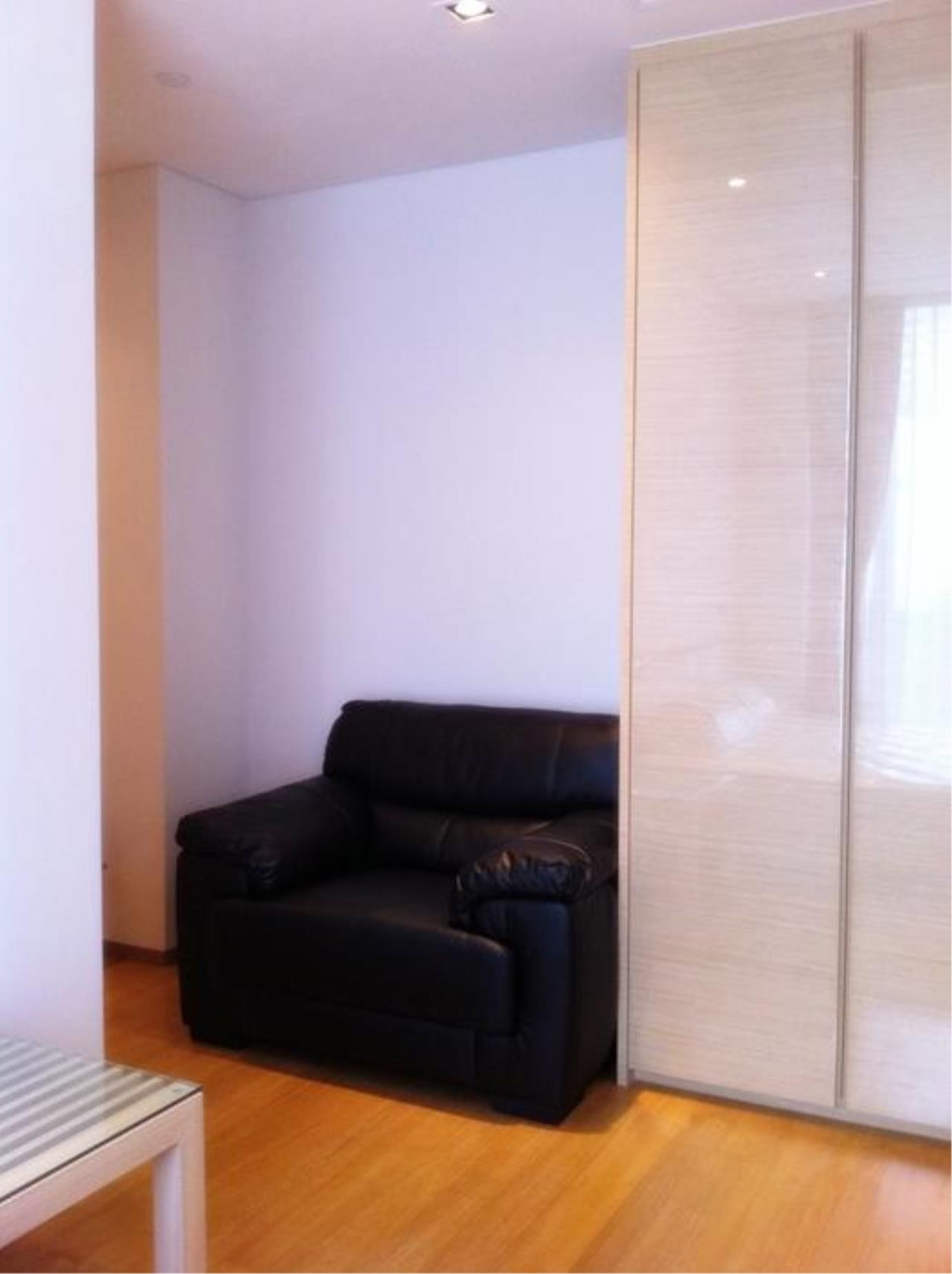 Piri Property Agency's one bedroom  For Rent Saladaeng Residence 4