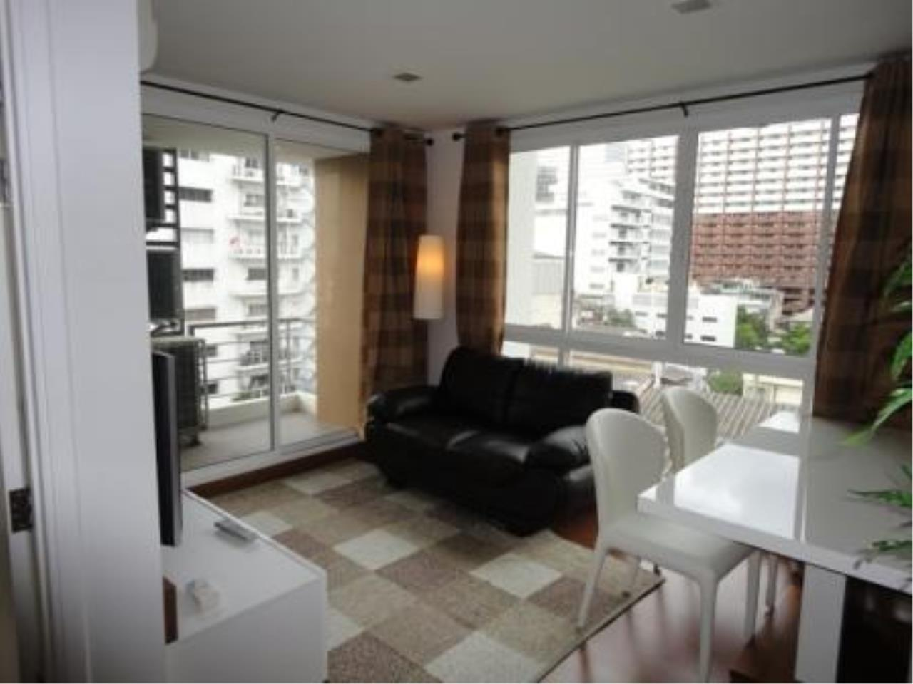 Piri Property Agency's 2 bedrooms  For Rent The Treasure Condo Silom 2
