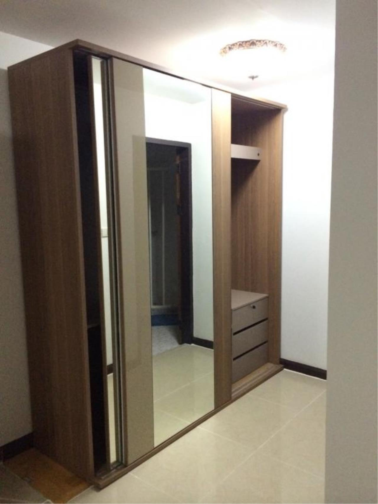Piri Property Agency's 3 bedrooms  For Rent Top View Tower 10