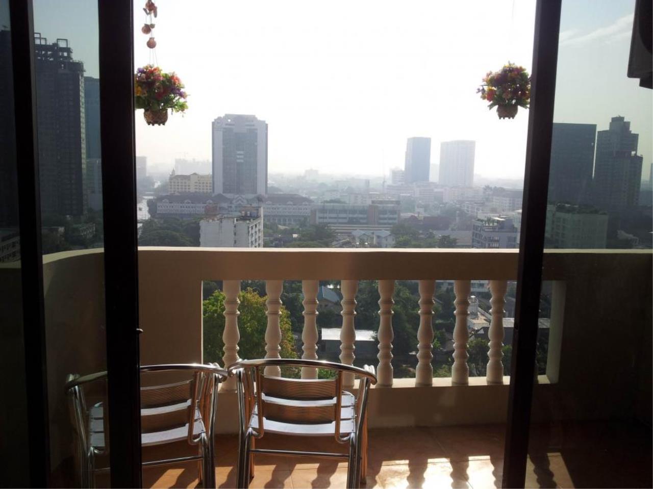 Piri Property Agency's Studio bedrooms  For Rent JC Tower 3