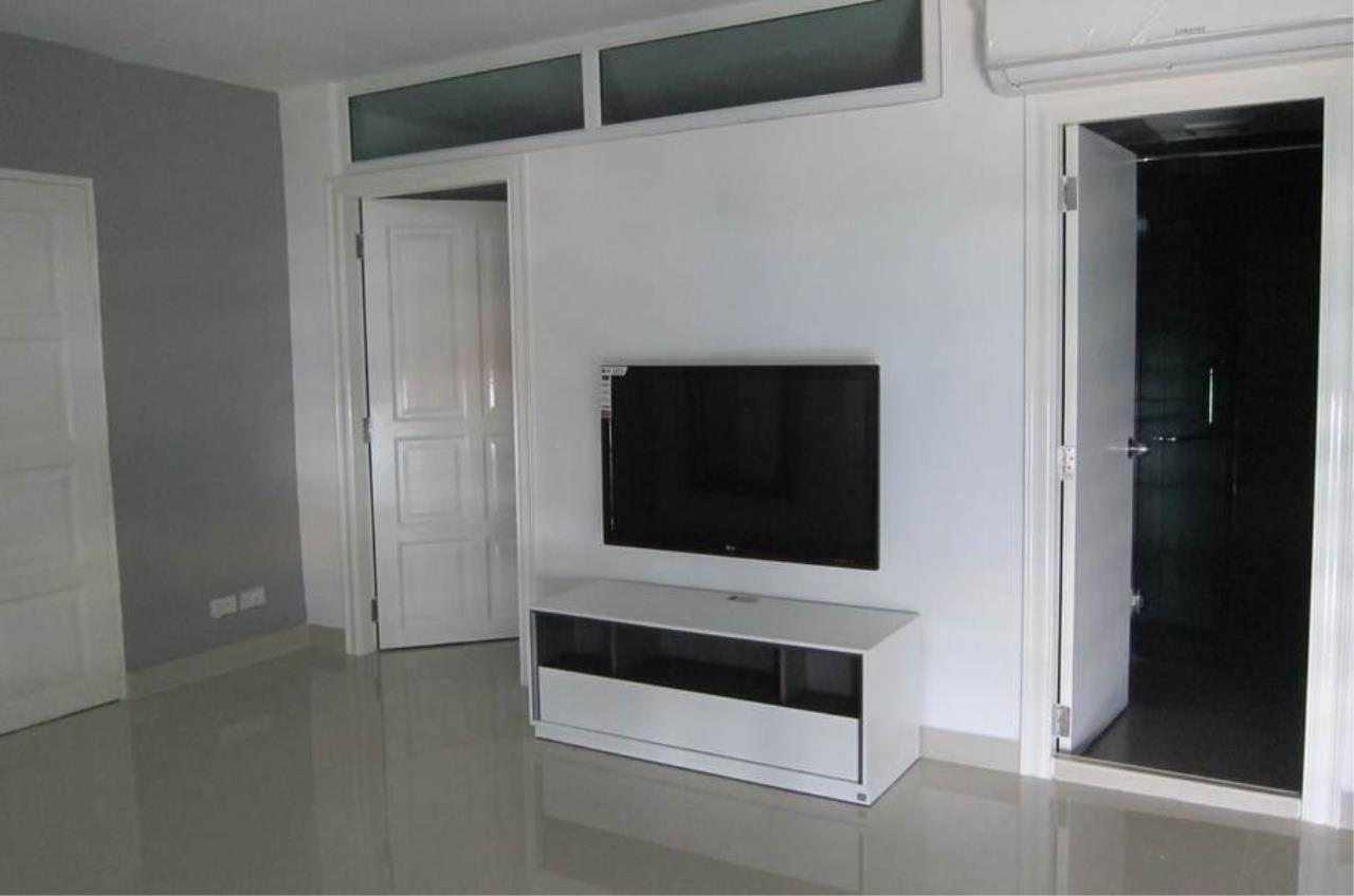 Piri Property Agency's 2 bedrooms  For Rent JC Tower 2