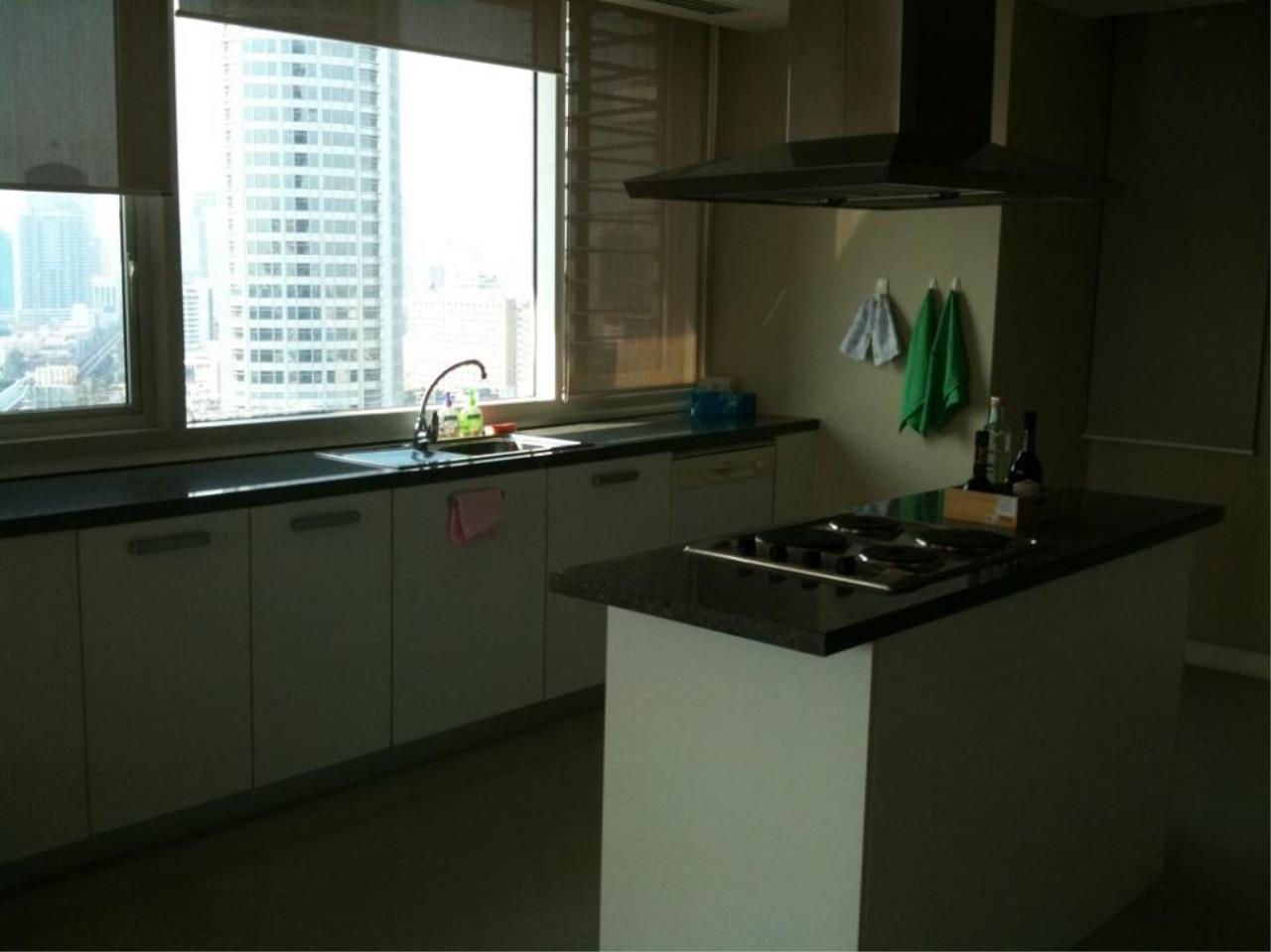 Piri Property Agency's 3 bedrooms  For Rent Fullerton Sukhumvit 6