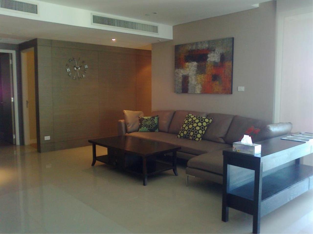 Piri Property Agency's 3 bedrooms  For Rent Fullerton Sukhumvit 1