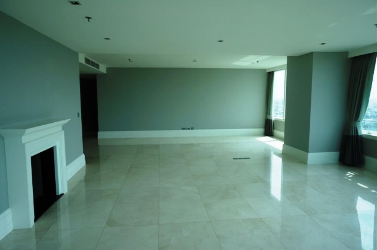Piri Property Agency's 3 bedrooms  For Rent Eight Thonglor 2