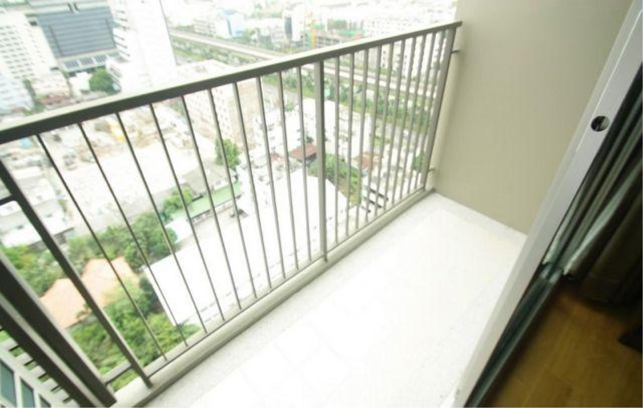 Piri Property Agency's one bedroom  For Sale Hive @ Taksin 12