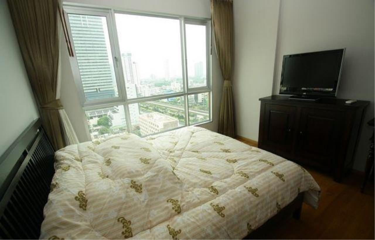 Piri Property Agency's one bedroom  For Sale Hive @ Taksin 7