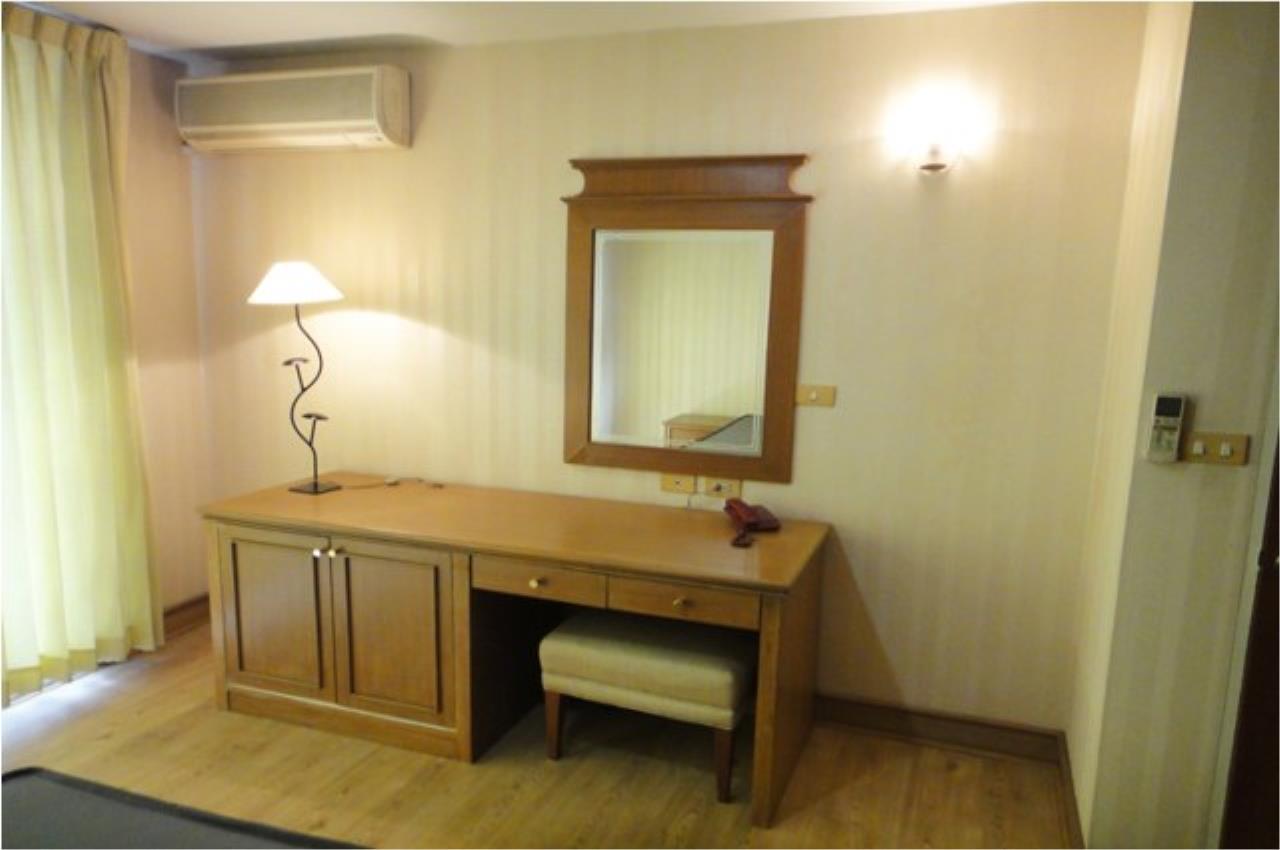 Piri Property Agency's 2 bedrooms  For Rent Asoke Place condominium 5
