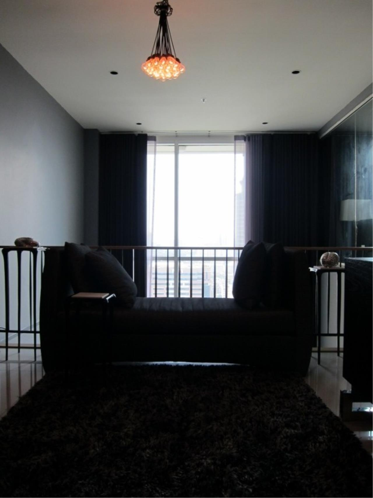 Piri Property Agency's 2 bedrooms  For Rent The Empire Place Sathorn 3