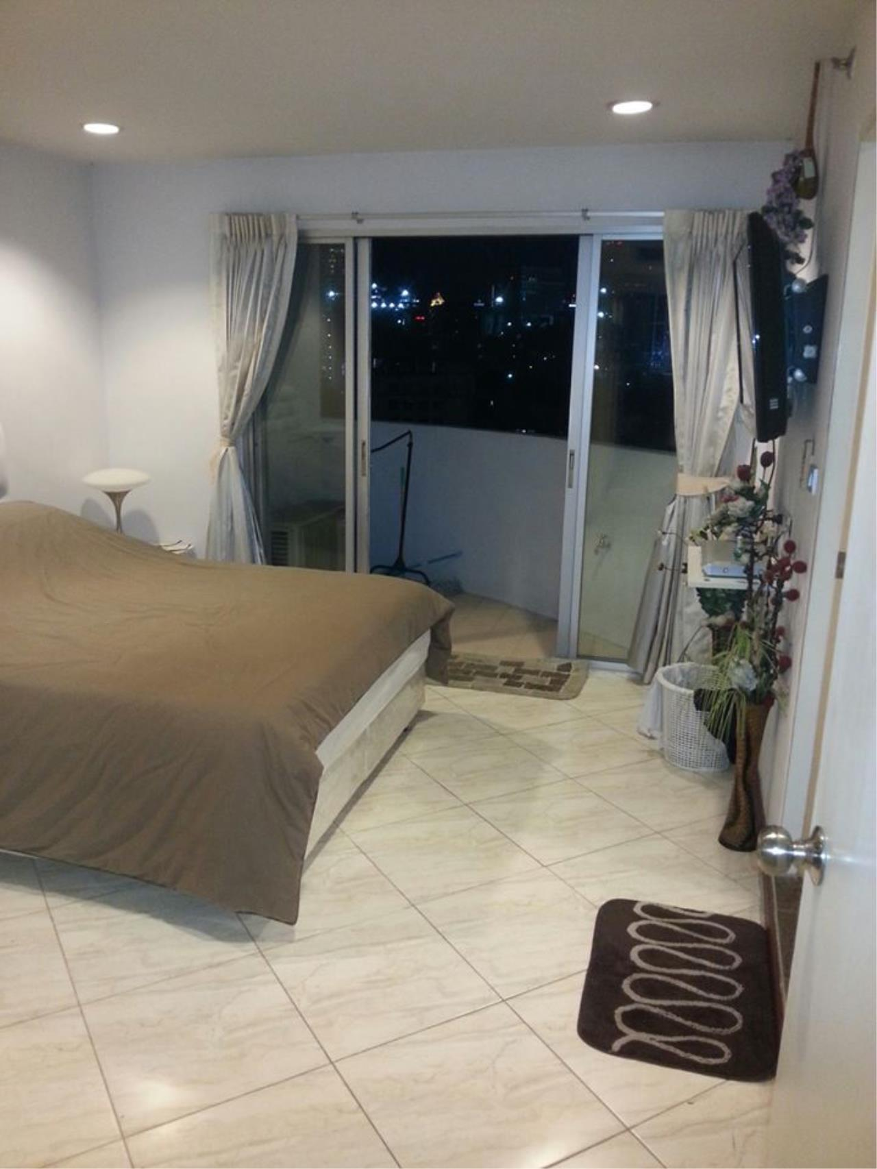 Piri Property Agency's 2 bedrooms  For Rent Wittayu Complex 10