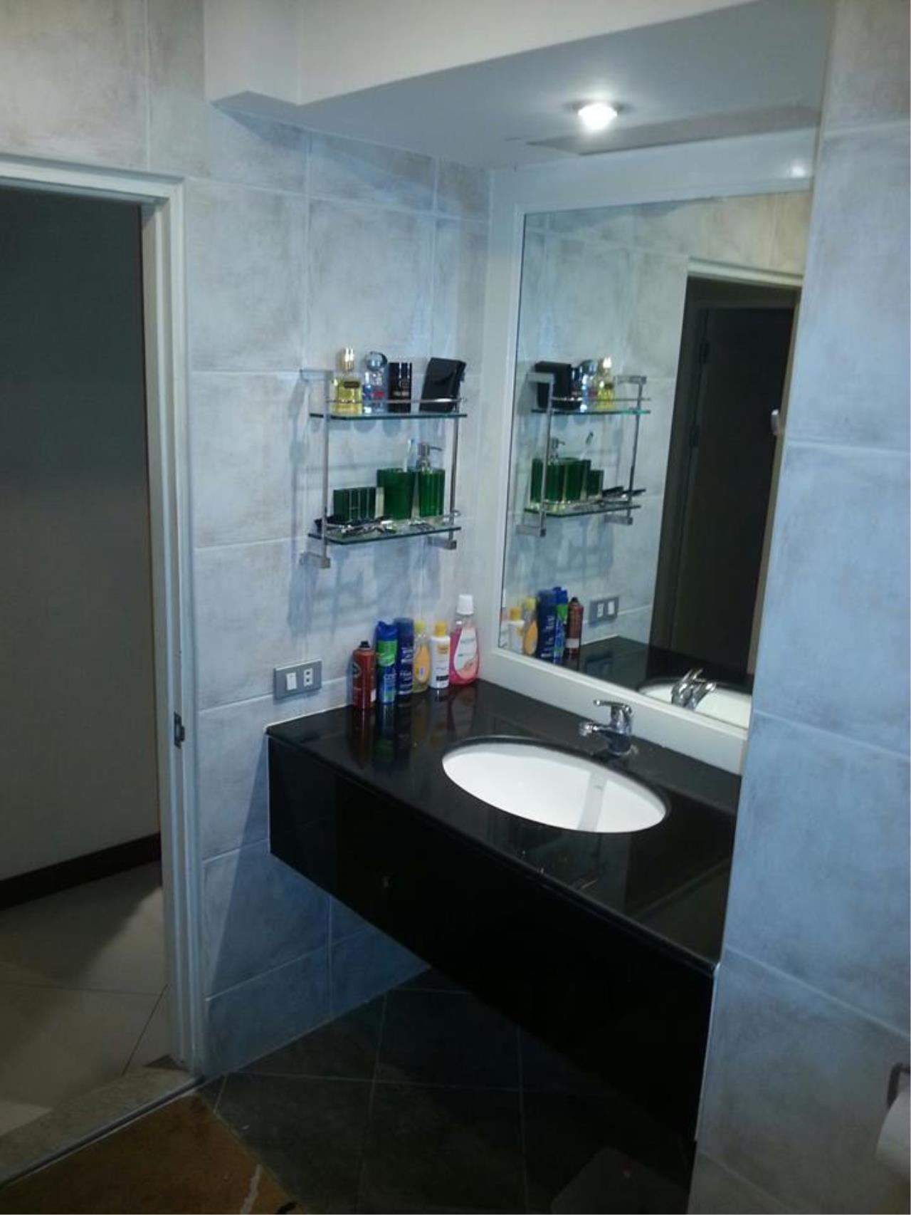 Piri Property Agency's 2 bedrooms  For Rent Wittayu Complex 15