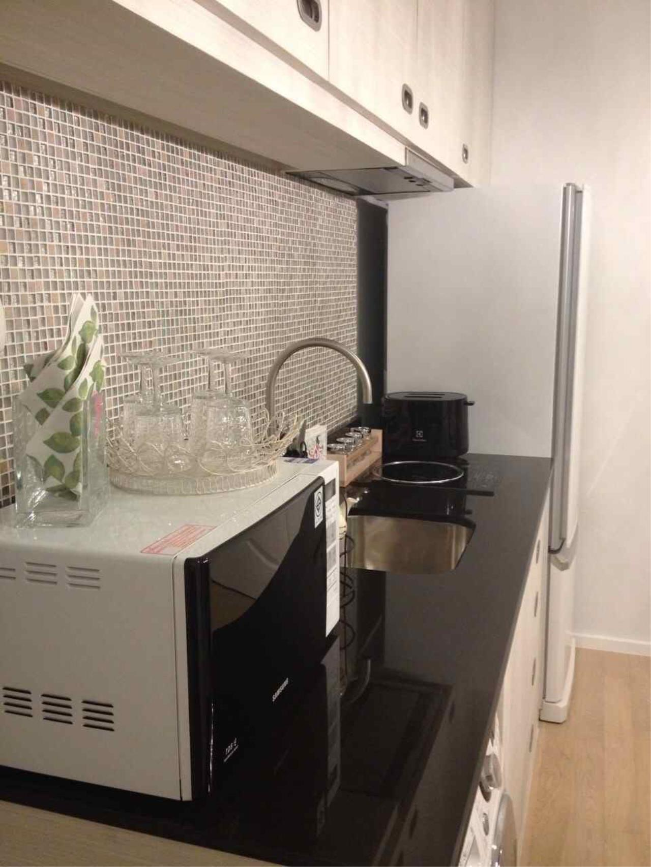 Piri Property Agency's one bedroom  For Rent Noble Refine 8