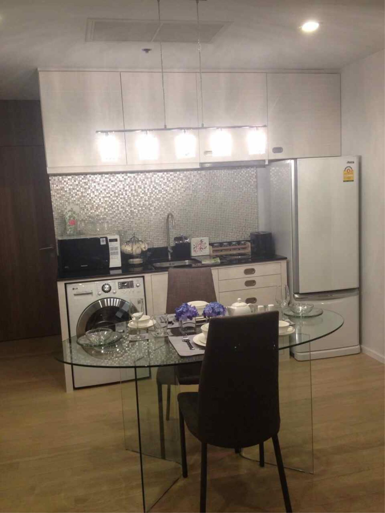 Piri Property Agency's one bedroom  For Rent Noble Refine 9