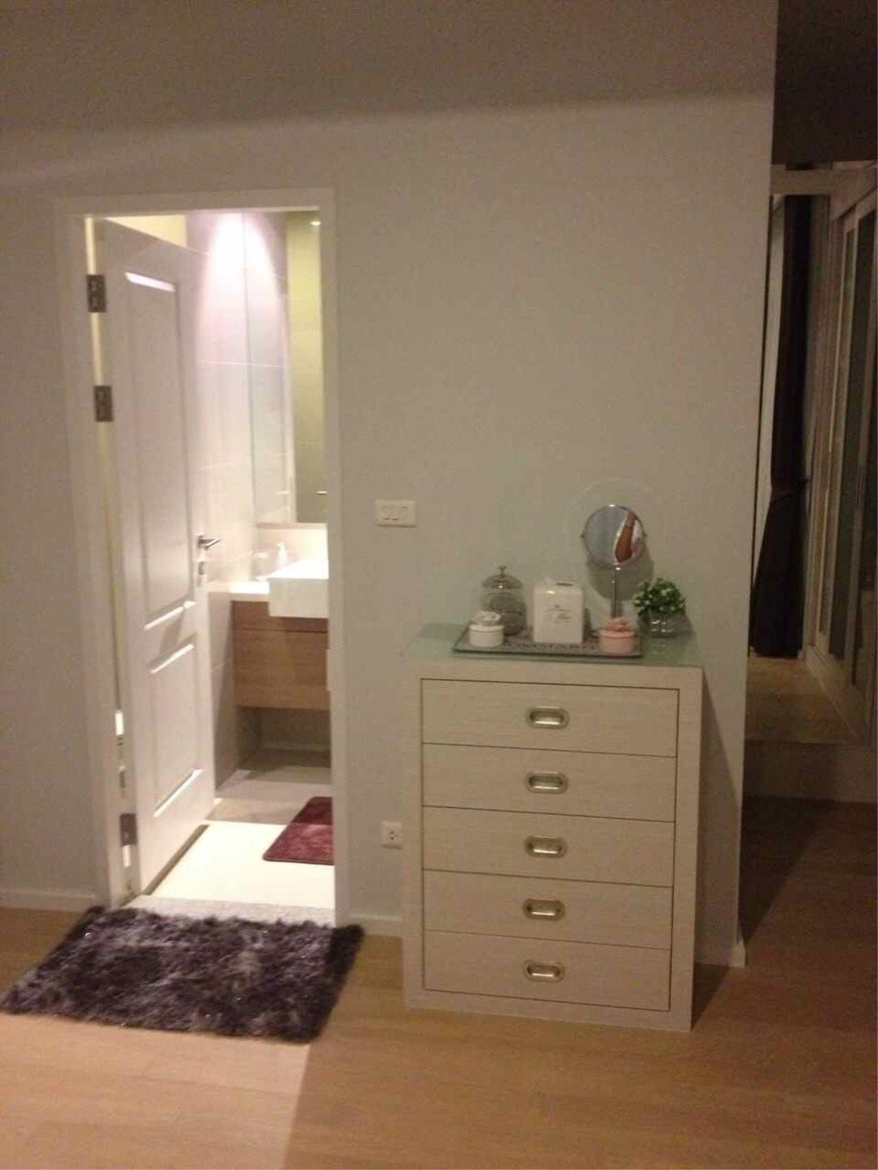 Piri Property Agency's one bedroom  For Rent Noble Refine 14