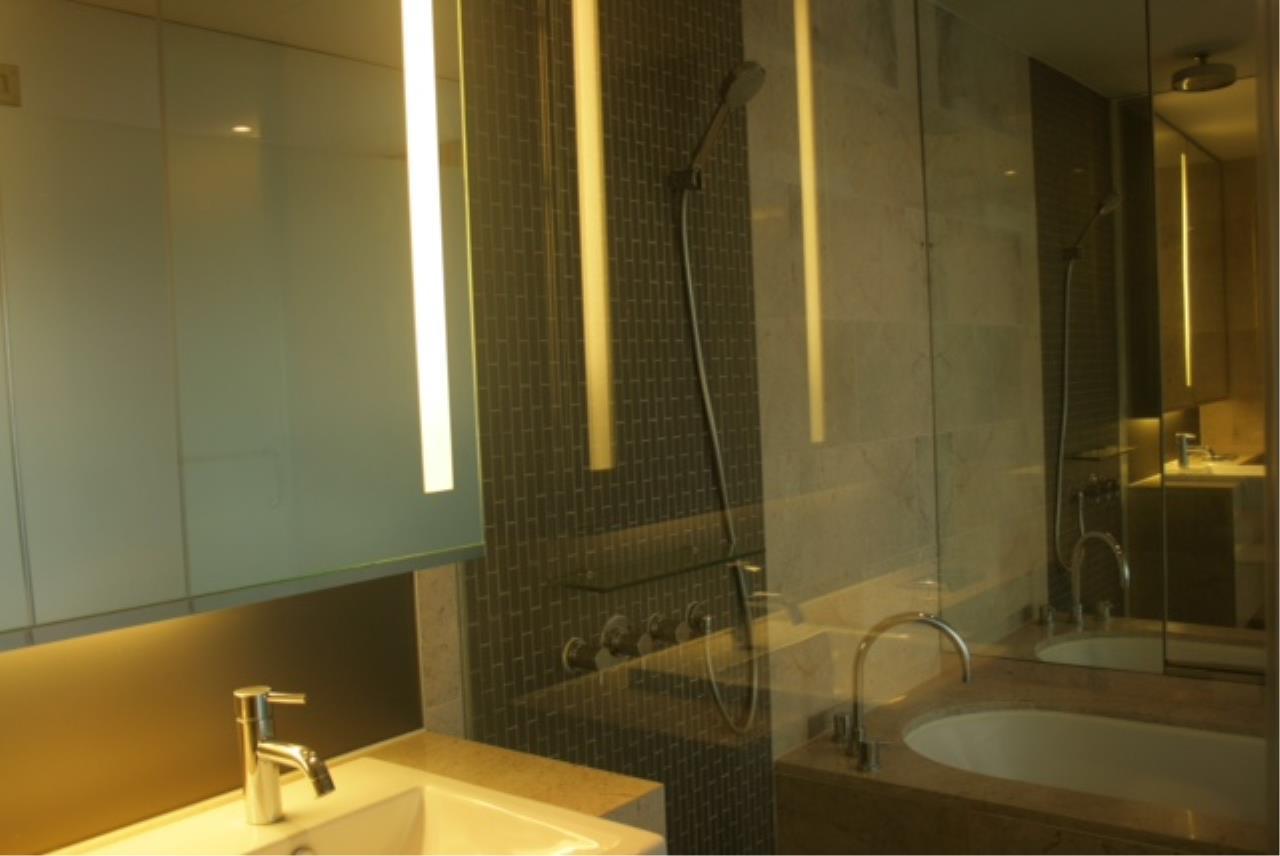 Piri Property Agency's one bedroom  For Rent Hansar Residence 7